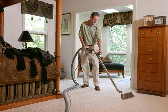 Carpet Cleaner Cleans Bedroom Carpet